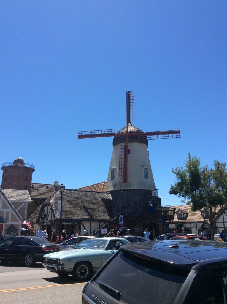 風車の建物